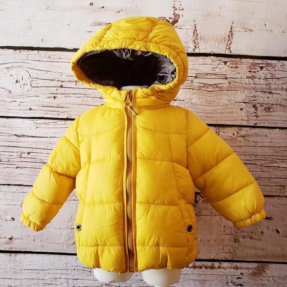 1b35bc131 Zara Baby Boy Outerwear Yellow Puffy Coat 9-12 mo